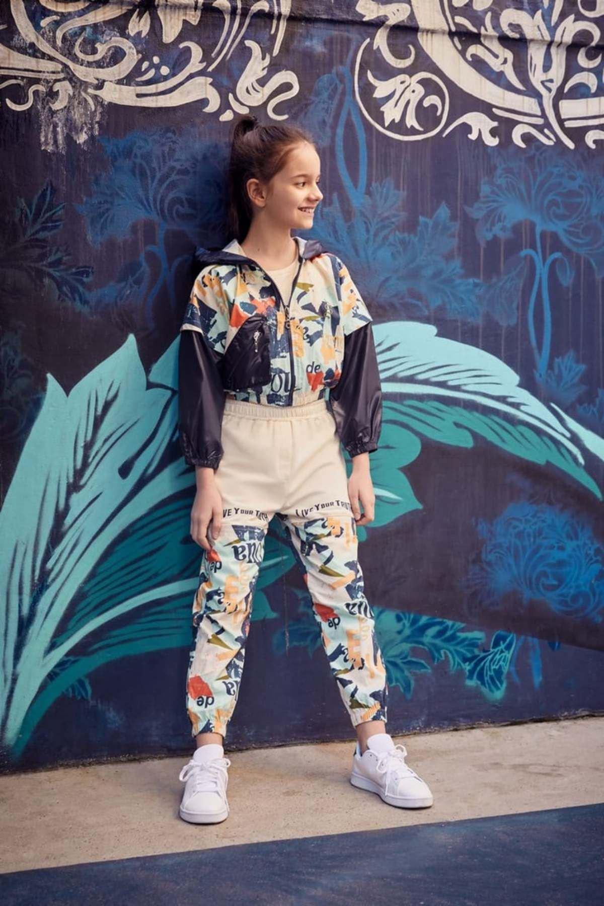 Grafiti Desen Kız Çocuk Takım