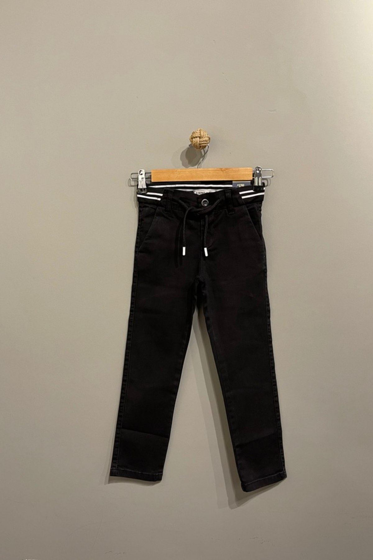 Erkek Çocuk Bağlama Detaylı Kot Pantolon- Siyah