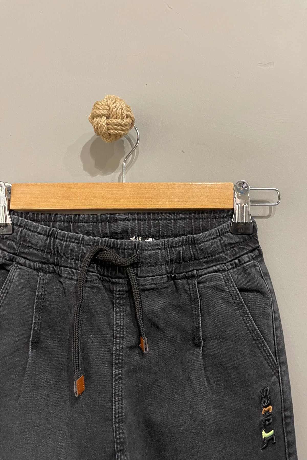 Yazı Detaylı Erkek Çocuk Kot Pantolon- Füme